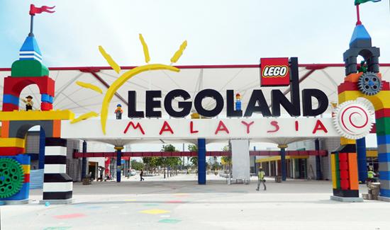 http://4.bp.blogspot.com/-UPbEBPLpXso/UF1ivx31c_I/AAAAAAAADcg/OD1sS8H3CMQ/s1600/Legoland-malaysia-LEGO.jpg