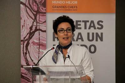 MONSERRAT DOMÍNGUEZ EN LA PRESENTACIÓN LIBRO RECETAS APARA UN MUNDO MEJOR. BLOG ESTEBAN CAPDEVILA