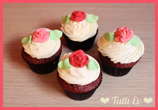 Red Velvet Cupcakes & Cream Cheese Frosting