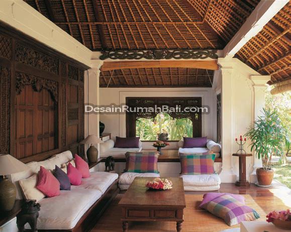kb png rendah lantai kayu dan tentu saja atap organik yang tradisional