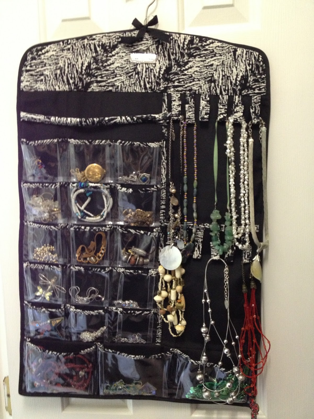 all things quilty and artsy jewelry organization. Black Bedroom Furniture Sets. Home Design Ideas