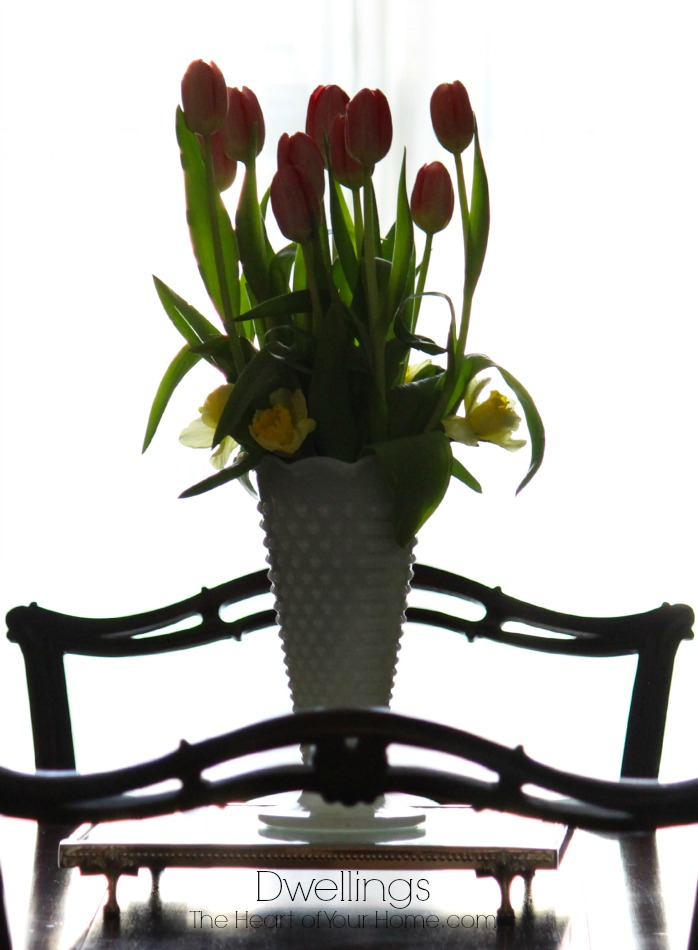 tulips and daffodil arrangement