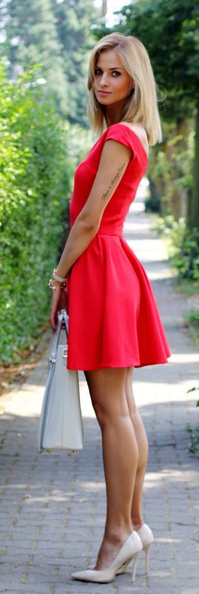 8 Gorgeous Little Red Dress Styles