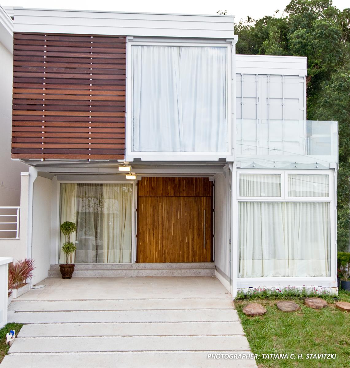Brasil Estúdio Fotográfico: Delta Containers Casas modulares #6D452F 1140x1200 Banheiro Container Brasilia