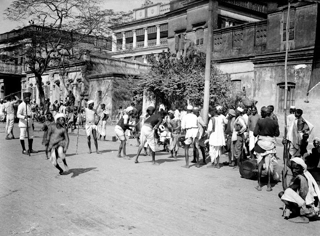 100-yr-old photos of British India found in shoebox