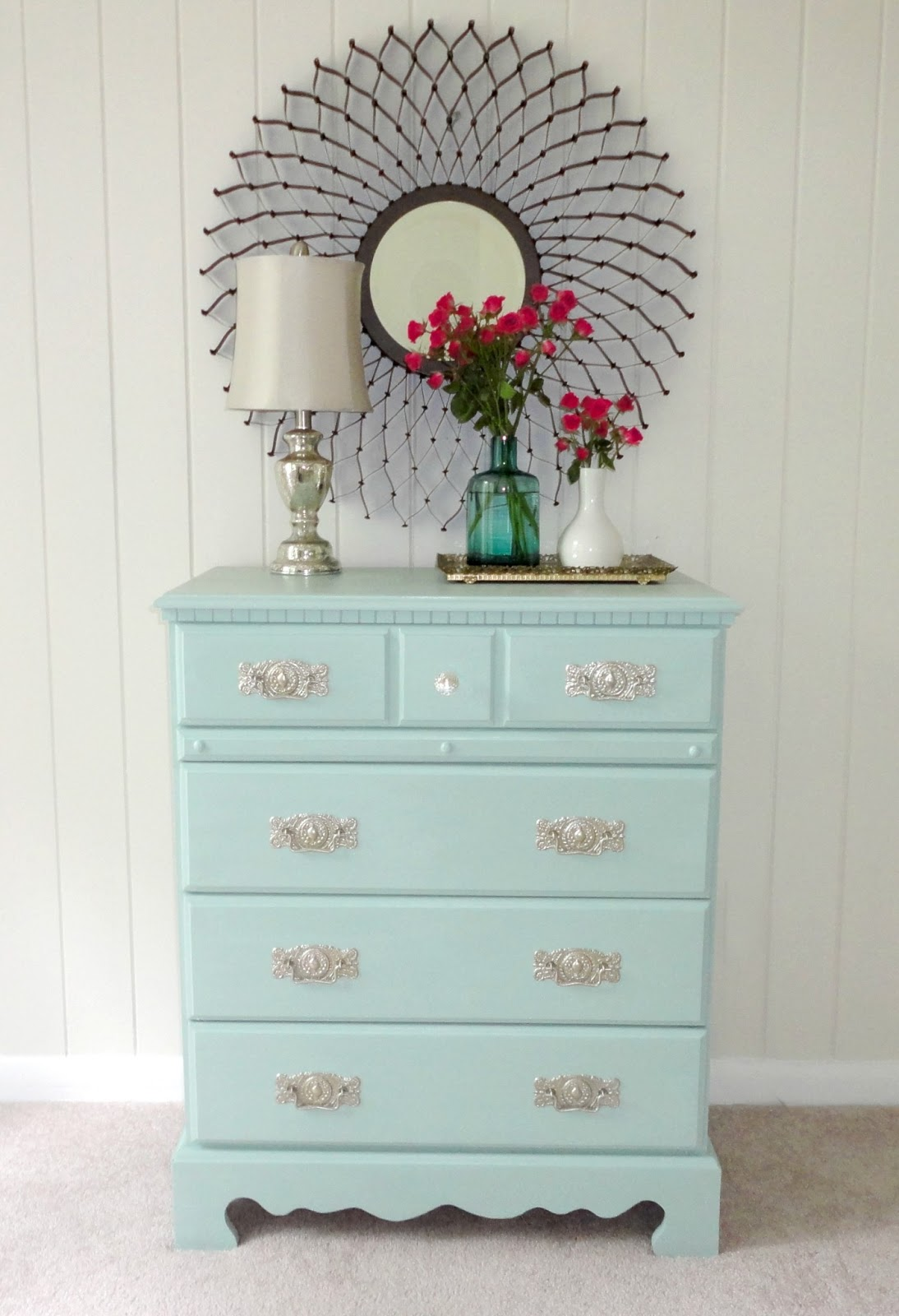 Livelovediy how to paint laminate furniture in 3 easy steps Best color to paint dresser