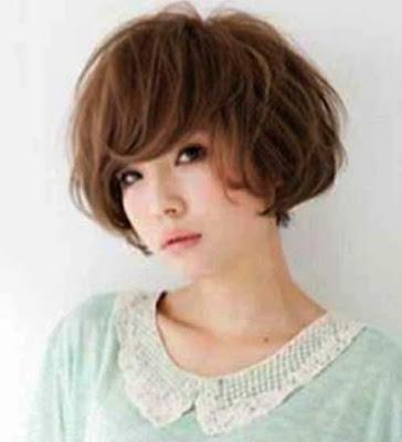 model potongan rambut quick bob berponi wanita jepang