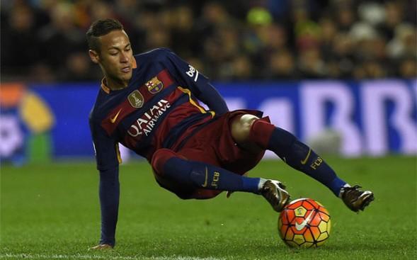 United y City preparan una oferta astronómica por Neymar