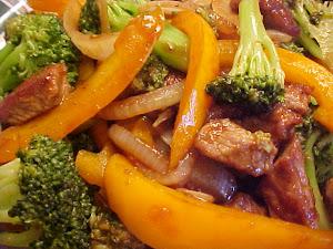 Sauté de boeuf à l'orange, au brocoli et à l'ail