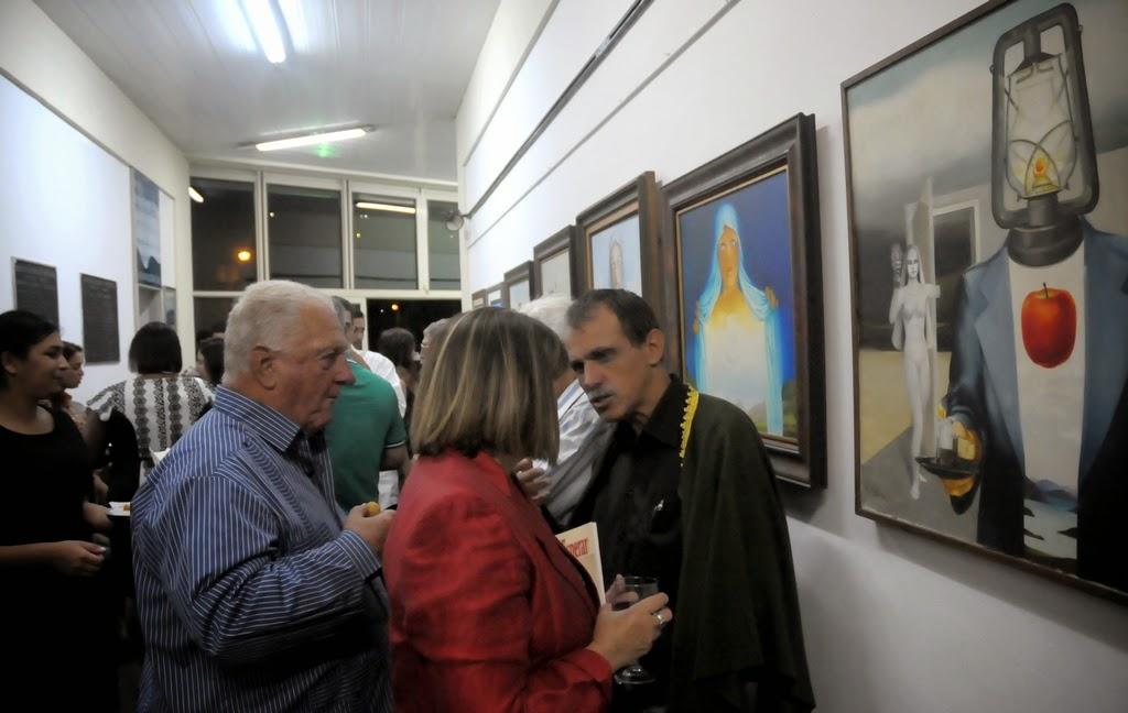 Na área de circulação, 32 telas de Sami Mattar foram expostas durante o evento