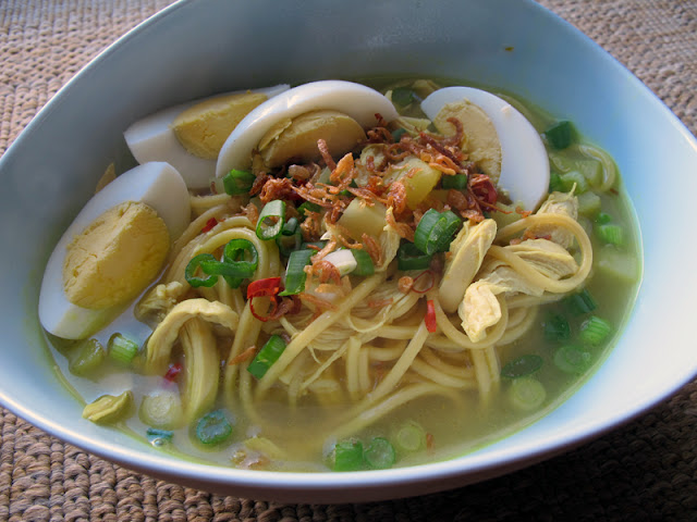 indonesian chicken noodle soup