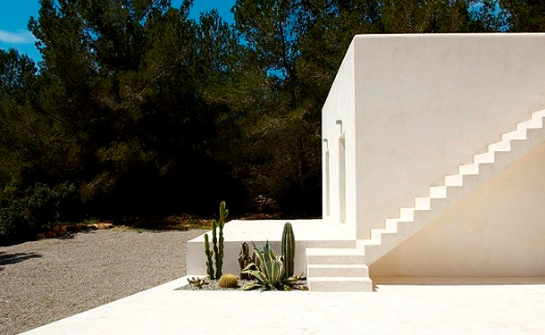 Greatinteriordesig tumasi house in ibiza spain for Ibiza house classics