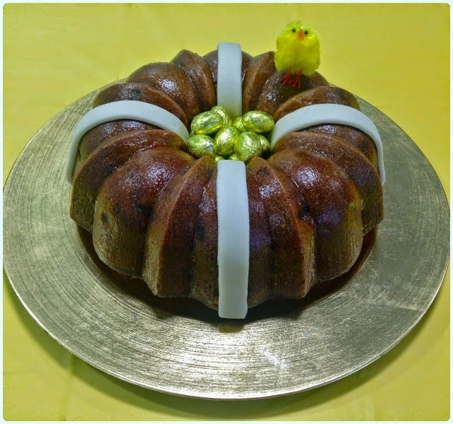 Hot Cross Bundt