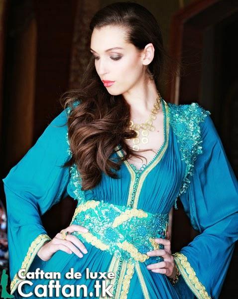 Caftan haute couture bleu très chic