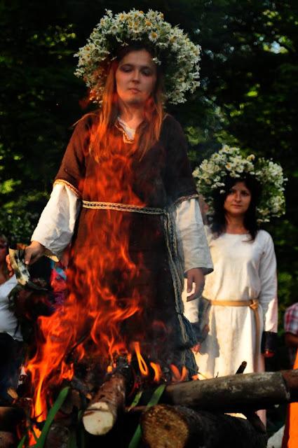 Noc świętojańska i związane z nią słowiańskie rytuały ognia