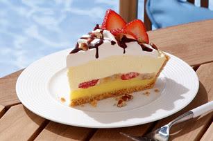 Banana Split Pie With Strawberry