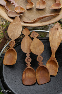 spoon carving+spooncarving+jon mac+dartmoor+devon