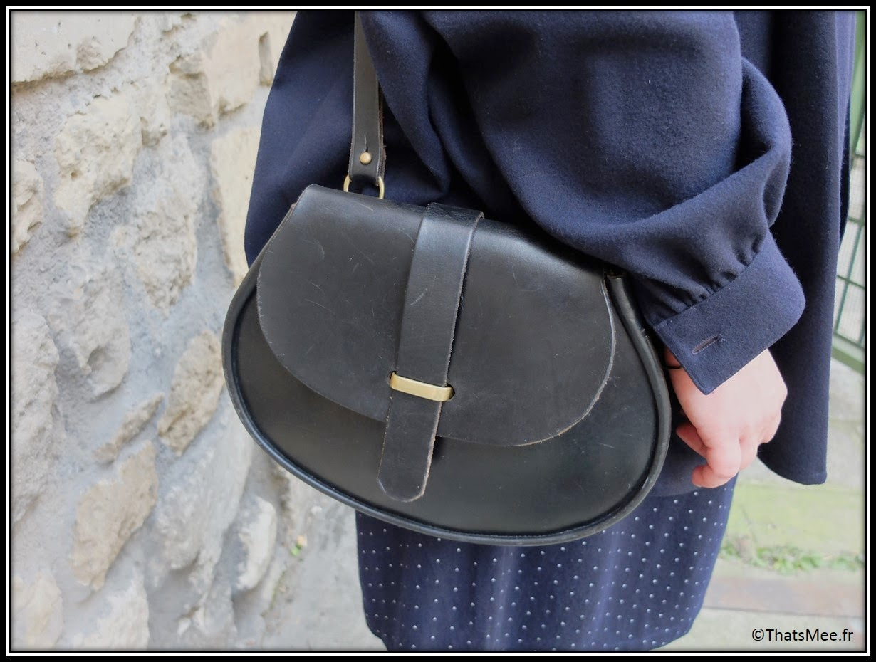 Karina Bisch artiste, Manteau - coat vintage KRIZIA, robe - dress Comme des Garçons from the 80s, besace - bag ATELIER EB , baskets-  sneakers Nike ID léopard