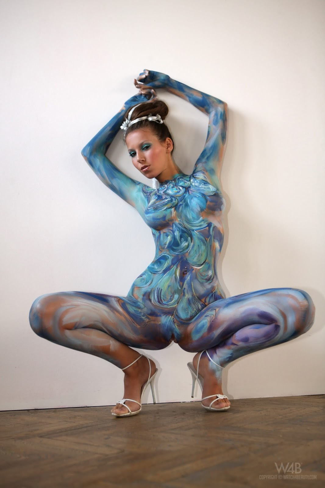 Bodypaint sex vulva wallpapper nackt nerdy sister