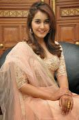 Rashi Khanna glamorous photos-thumbnail-10