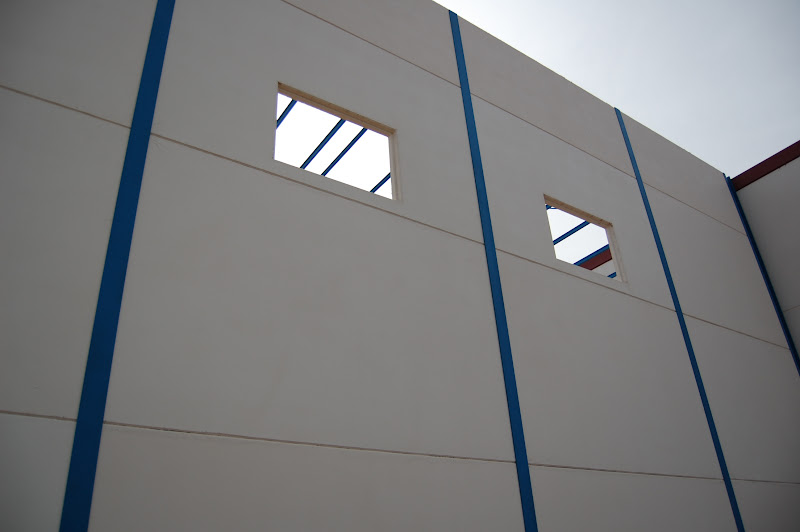 Detalle de local nave construido con paneles prefabricados - Locales prefabricados ...