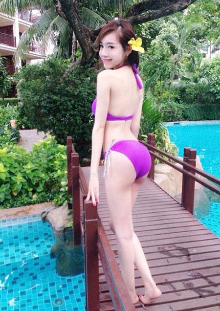 Hot Girls Bưởi To Xem Elly Trần khoe đường cong đẹp khó tin bên bể bơi 2