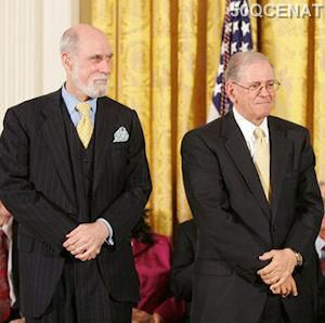 Vint Cerf və Bob Kahn –TCP/IP