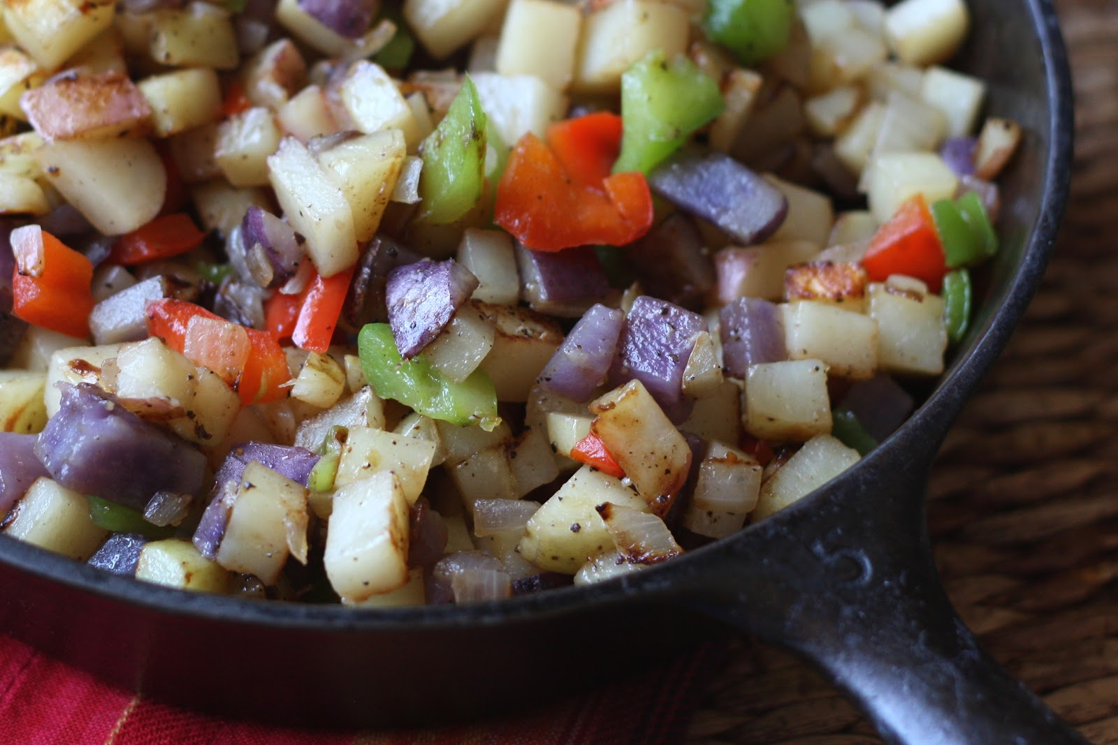 Barefeet In The Kitchen: Skillet Potatoes with Peppers and Onions