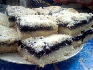 Песочные пирожные с черникой