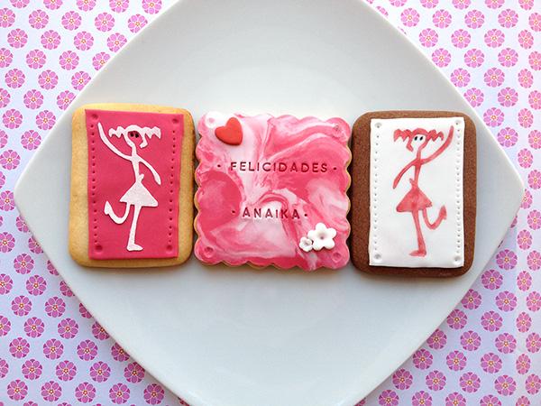 galletas decoradas con logo de empresa y feliz cumpleaños