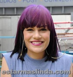 jessie j con pelo violeta