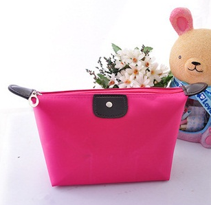 http://theshopaholicwardrobe.wordpress.com/2013/11/27/cosmetic-bag-rose-red-rm20/