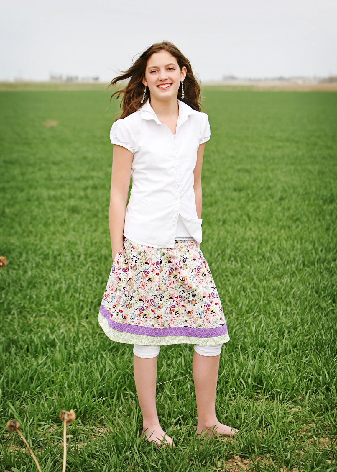 Leslie Lheron Couture: Pleated young woman skirt