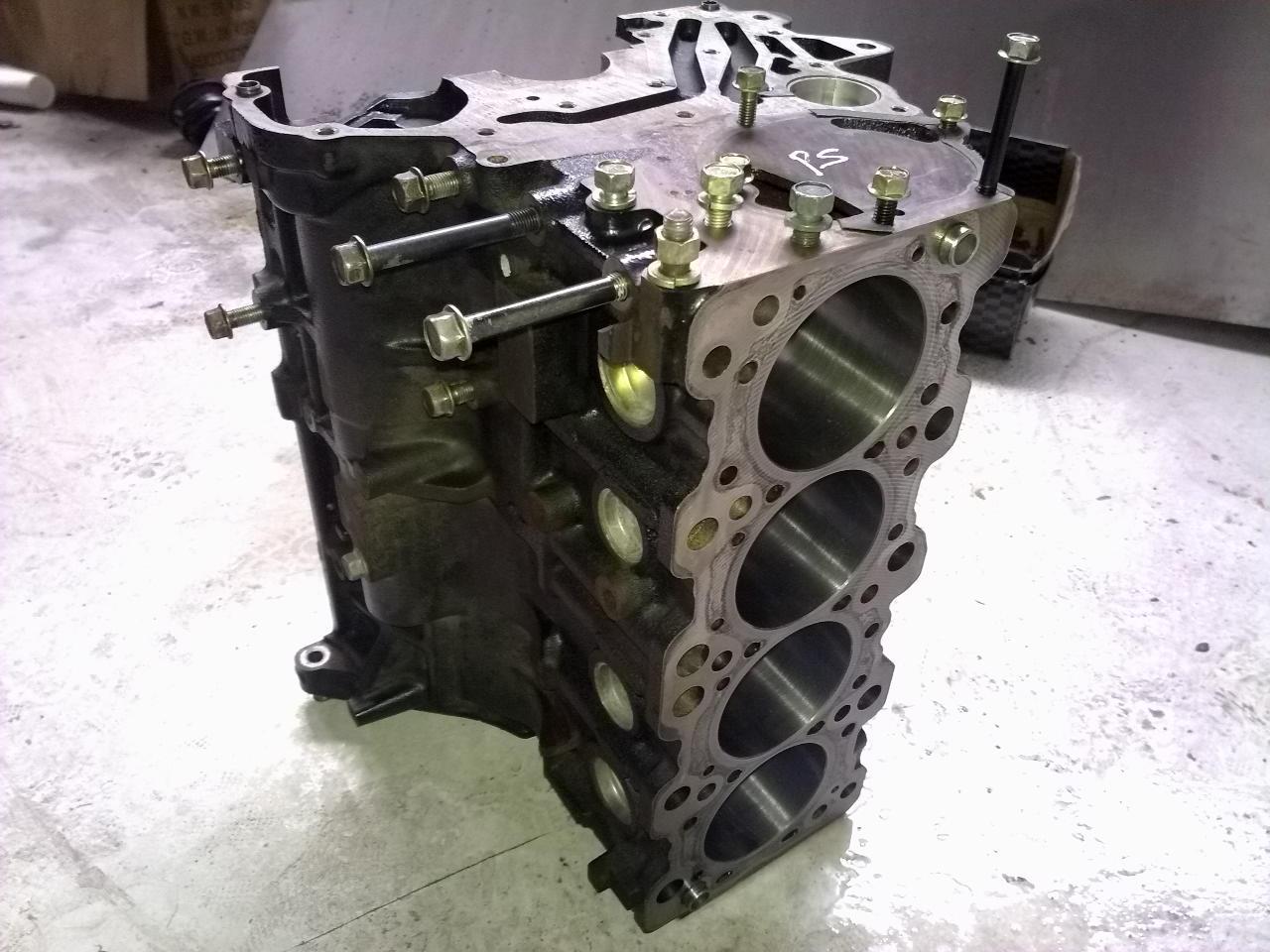 Mitsubishi Airtrek 2.0 turbo-4.bp.blogspot.com