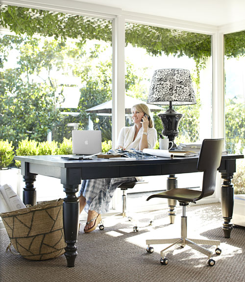 Dwellers without decorators happy family home kendal for Sunroom office design