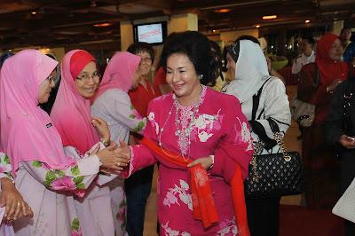 Program Tahunan Isteri Wakil-Wakil Rakyat Beri limpahan Rezeki Kepada  Peniaga 2eefb4dd4e