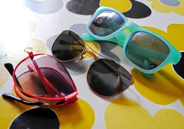 Retro Global Hypercolor and folding sunglasses