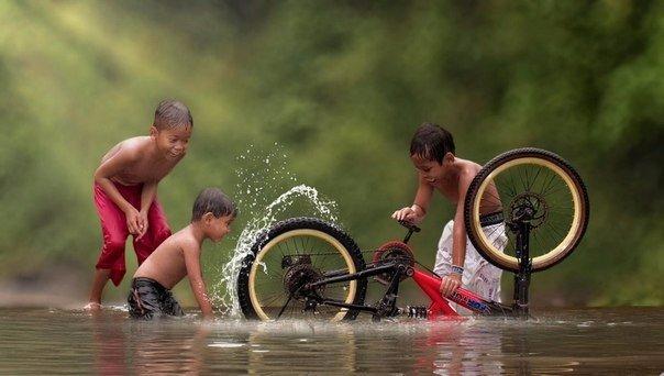 Жизнь в индонезийской деревне (10 фото)
