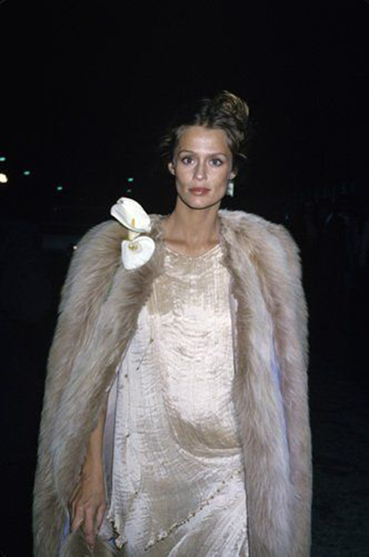 Lauren Hutton in Fortuny, vintage, icon, beauty
