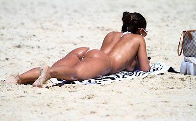 graciela carvalho delicia deitada na praia