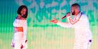 Rihanna surpreendeu os fãs ao aderir Drake no palco