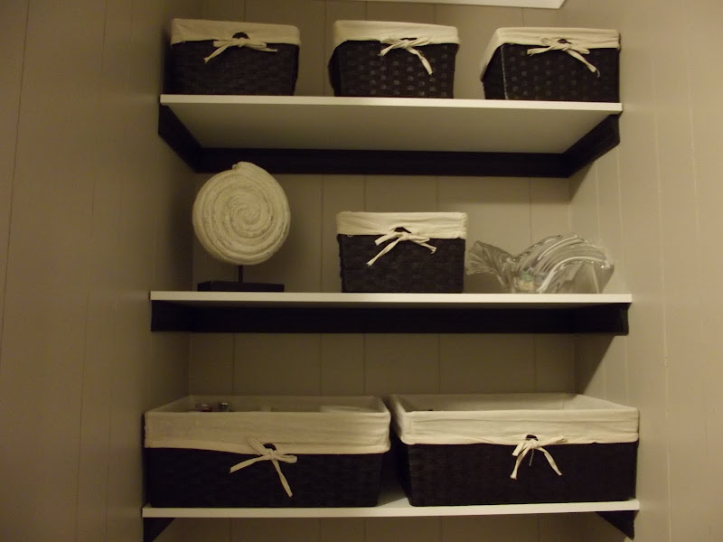 Bathroom Shelf with Basket