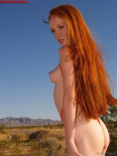 Nude Selfie - rs-zip_temp_003-787639.jpg