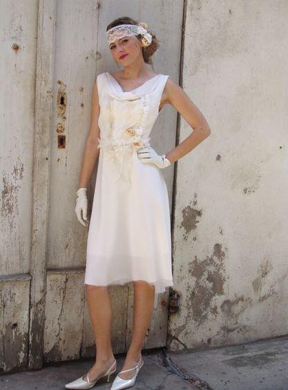 cest aussi des robes cres avec des matires pleines de tendresse comme la dentelle broderie et perles pour une ambiance vraiment romantique - Robe Charleston Mariage