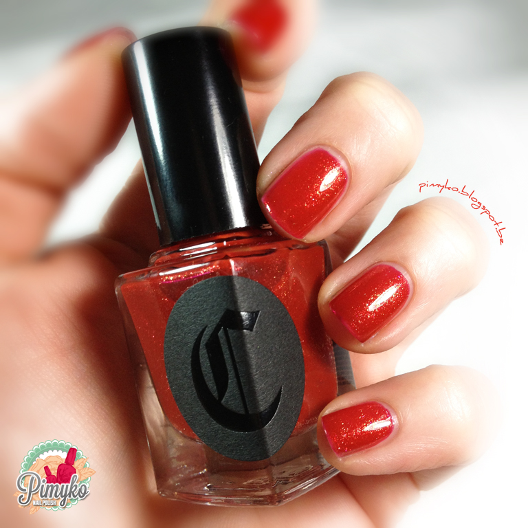 pimyko-swatch-cirquecolors-cirque-curiosity-red-nailpolish-nail