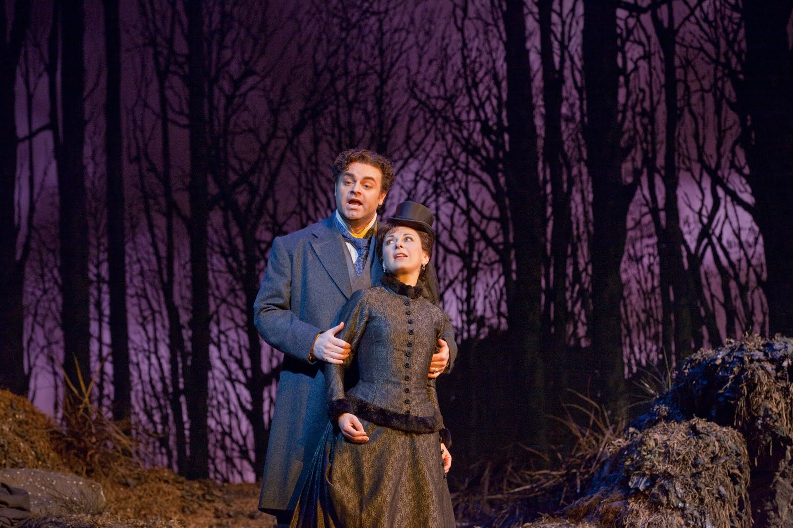 dessay as Lyric opera of chicago started up its 2008/2009 season in style with director david mcvicar's production of manon, headed by two of opera's most sought-after and explosive stars: natalie dessay .