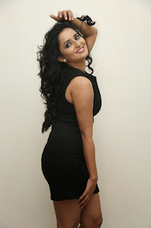 Actress Ishika Singh  Picture Shoot Gallery in Black Short Dress  013.jpg