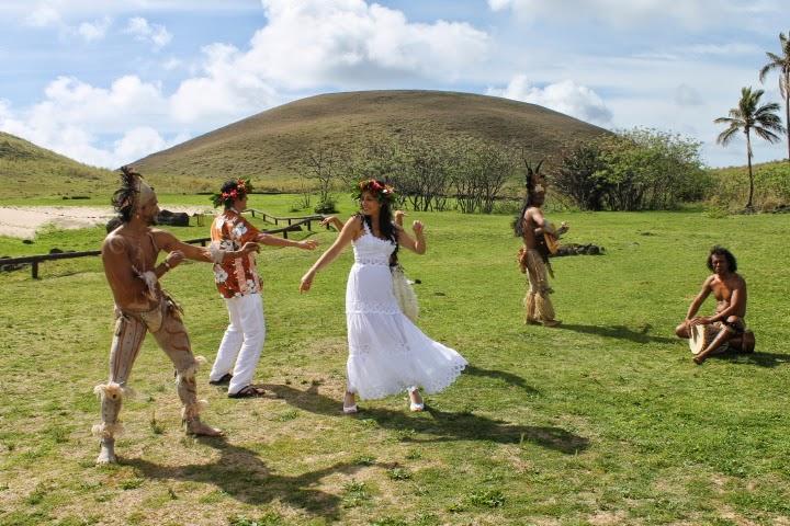 Matrimonio Simbolico En Isla De Pascua : Ventanas al mundo boda en la isla de
