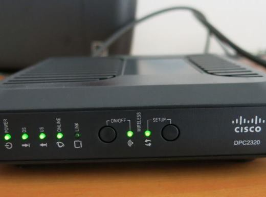 Deretan lampu LED di modem router First Media