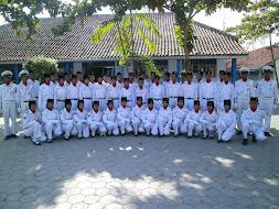 Anggota PKS pose bareng Paskibraka SMK MUHKRA
